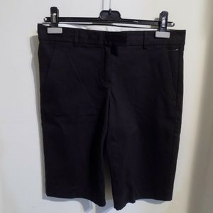THEORY Black Bermuda Shorts, 6 New with Defect